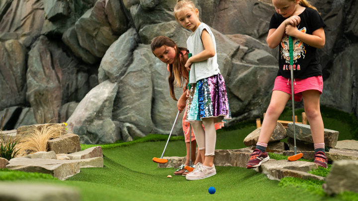 indoor-minigolf-kinder